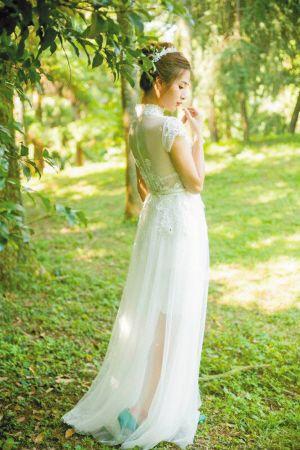 蕾丝半透明复古婚纱的性感符号【图】