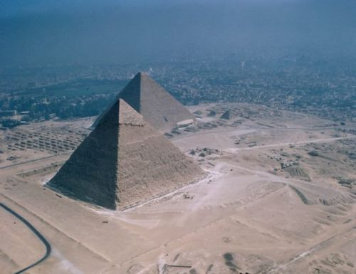h;—埃及胡夫金字塔