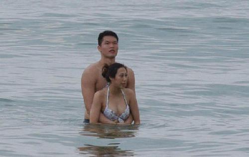 """朱芳雨离婚 疑似""""小三""""昨日浮出水面图片"""
