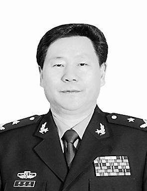 """4位新上将军政主官各一半 均为""""50后""""(图)"""