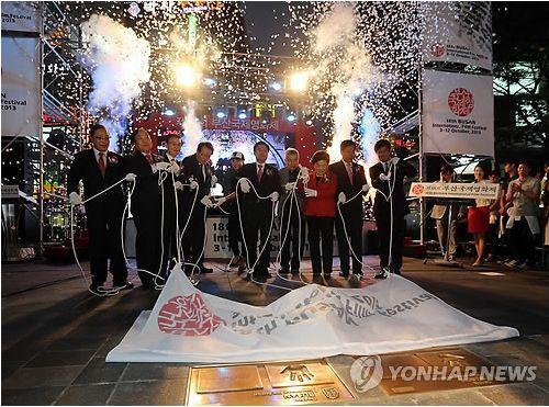 第19届釜山影展10月举行 张艺谋汤唯将出席