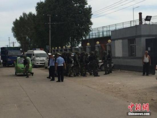黑龙江越狱谜团 重刑犯应戴手铐脚镣 存几道关卡