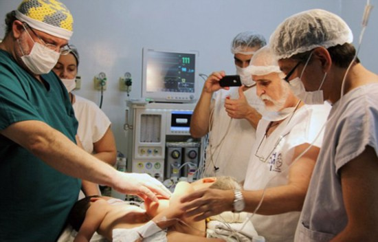 巴西5岁多个儿共用女生连体和生殖器将接受分器官真实宿舍的图片