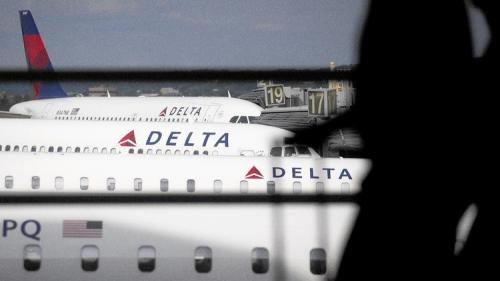 美1周内发生3起航班改降事件 均因乘客吵架