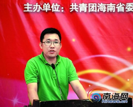 黄桂提资助百名贫困生:想呼吁大家重视教育