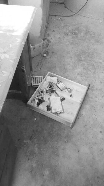 一伙蒙面男冲进店打砸 琼海警方介入调查
