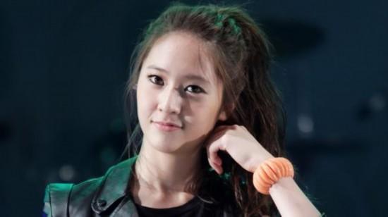 014亚洲女神排行榜中,来自韩国女团f(x)组合的宋茜和郑秀晶别分包