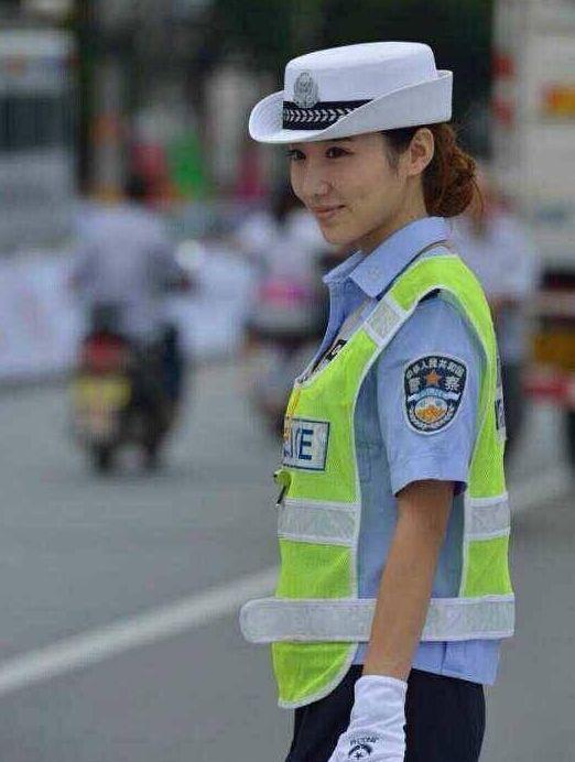 陕西最美女交警遇上北京最帅男交警 网友 这画面太美