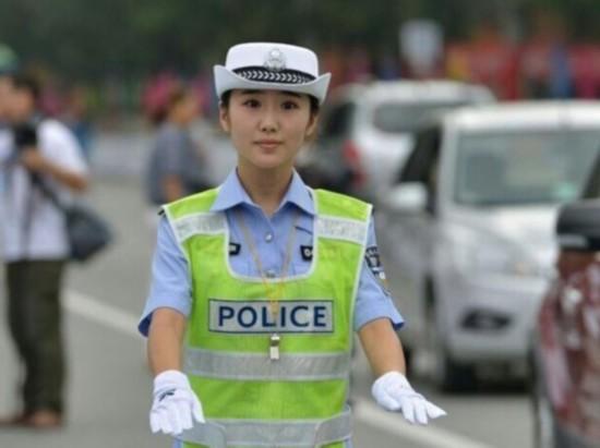 陕西最美女交警遇上北京最帅男交警 网友:这画面太美【2】