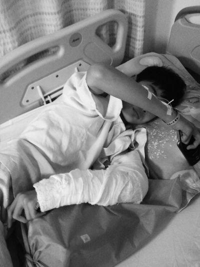 海口:初三男孩被宿舍吊扇切伤手臂