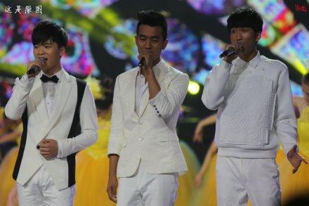 2014湖南卫视中秋晚会录制探班:韩国男神exo撞上国产