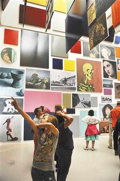 颜磊2012年卡塞尔文献展上的《有限艺术项目》。