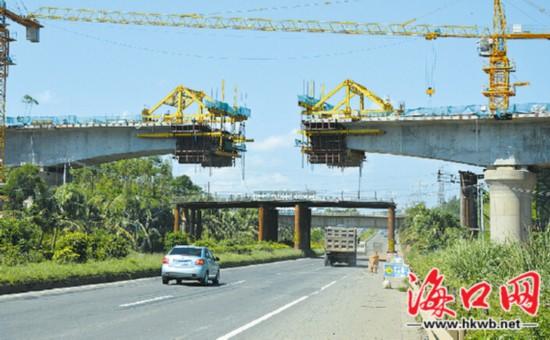 海南西环高铁海口段桥墩完成65%