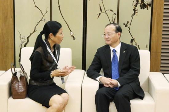 邵琪伟会见泰国旅游与体育部部长