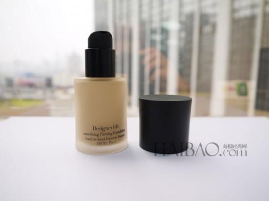 海报编辑试用 阿玛尼美妆 Armani Cosmetics 造型紧颜粉底液图片