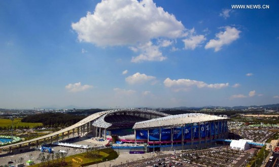 Photo taken on Sept. 19, 2014 shows the Incheon Asiad Main Stadium, where the opening ceremony of the 17th Asian Games will be held, in Incheon, South Korea.