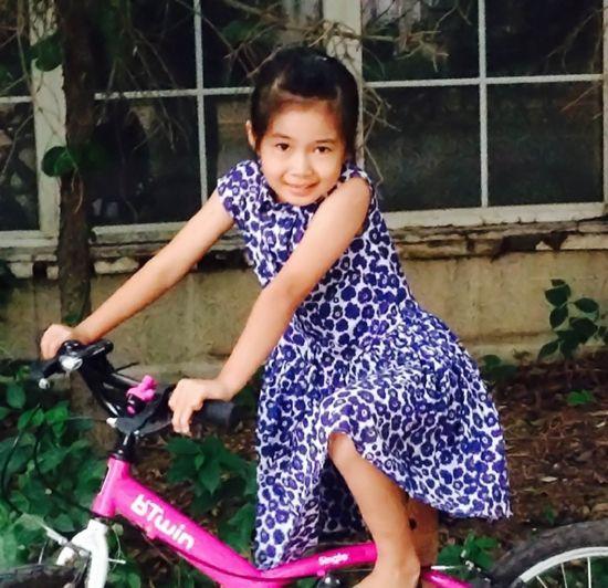 沙宝亮7岁女儿沙可萱近照曝光 神似老婆朱娜