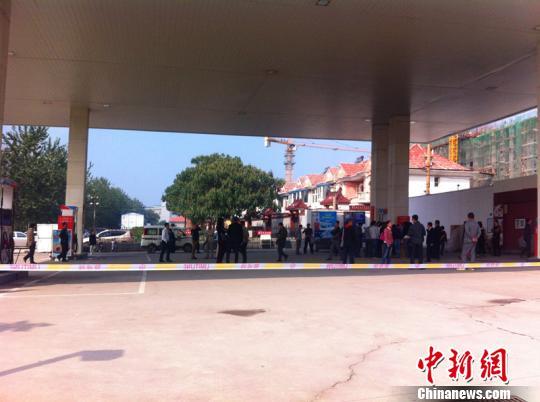 邢台道达尔加油站燃油质量遭质疑百位车主不满处理方案