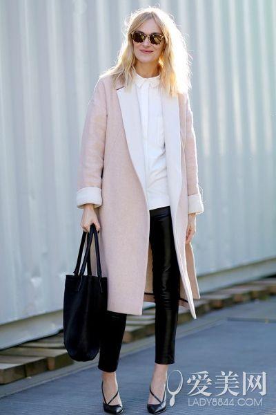 秋装简繁要有度 纯色长外套吸睛搭