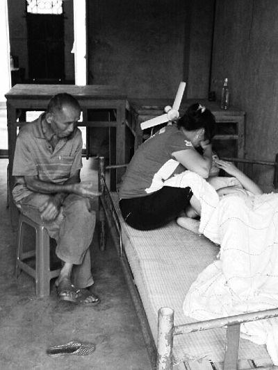 女孩患白血病 与妹妹骨髓配型成功无钱手术