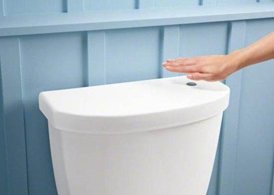 推出感应式马桶 无需接触挥手就能冲水