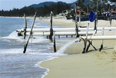 崖城盐灶村海边废水直排入海 破坏海洋环境