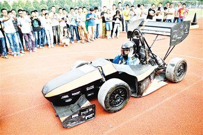 安徽大学生自制方程式赛车[图]图片