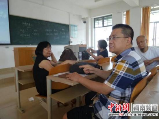 海南师范大学文学院新闻传播系主任刘宝林表示,将鼓励学生成立口述历史研究会,参与海南当地的口述历史搜集整理。