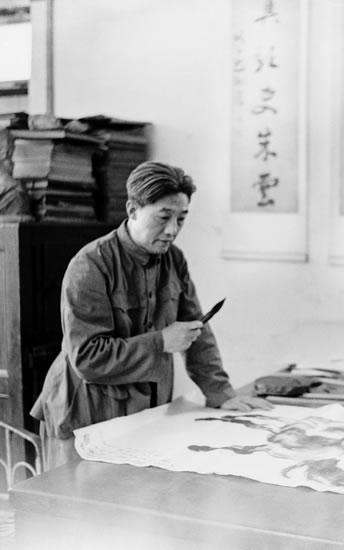 故乡之恋歌谱望海高歌-徐悲鸿在中国近现代绘画史上的地位与影响,一直颇有争议,褒之者视