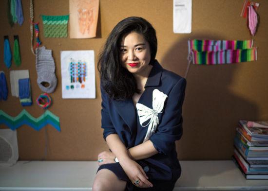 2012 年,乔齐创立了品牌 Georgette,她从古着衣的廓形或印花上获取灵感,运用到设计中去