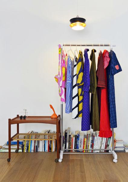 从去年夏天开始,鱼儿成系统地搜罗起 Marimekko 的服装,如今她拥有了 30 多件藏品