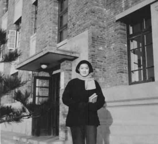 揭秘中国最著名的五大美女秘书 宋美龄是蒋介