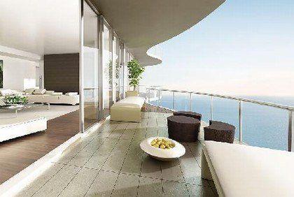 """如果你的家没有 阳台,大的落地窗也不错,也算居室有了""""鼻子""""."""