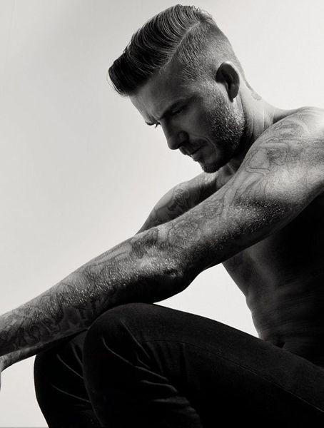 大卫 贝克汉姆登杂志封面 半裸秀纹身腹肌图片