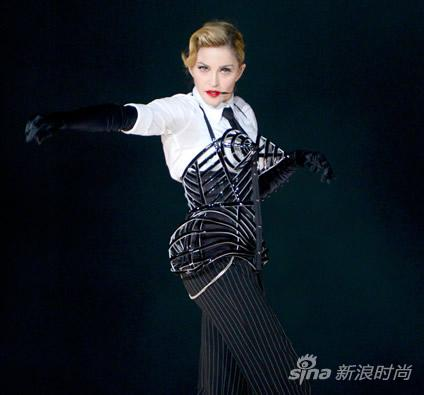 麦当娜2012巡回演唱会再穿锥形胸衣