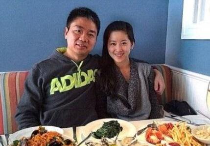 奶茶妹妹否认将嫁刘强东:上学怎能翘课结婚