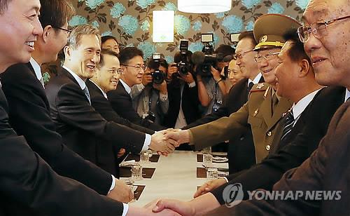 朝韩高层举行会谈 望此访有助改善双方关系