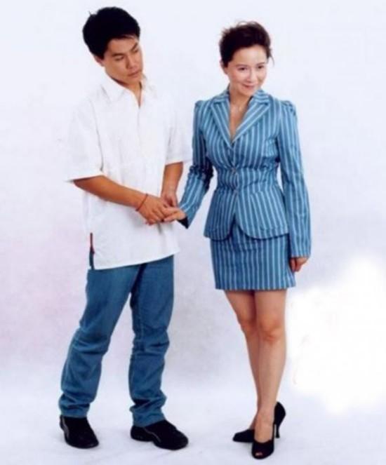 揭中老年美女明星背景:林凤娇曾当舞女 金星当