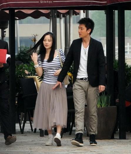 刘涛与老公激吻照曝光 图揭不秀恩爱不出门的明星们