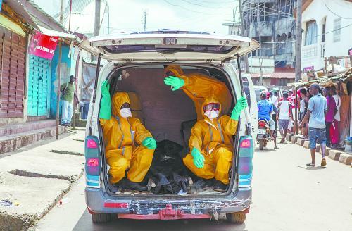 """欧美拉响埃博拉入侵""""预警严格疫区旅客筛查"""