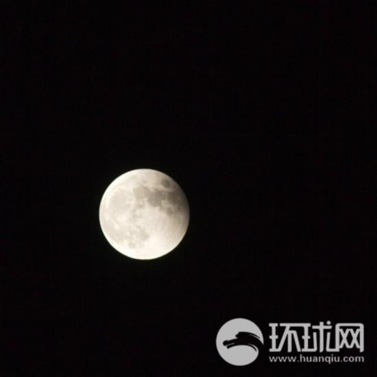"""网友摄影:""""红月亮""""亮相天际【23】"""