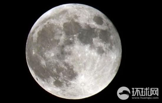 """网友摄影:""""红月亮""""亮相天际【15】"""