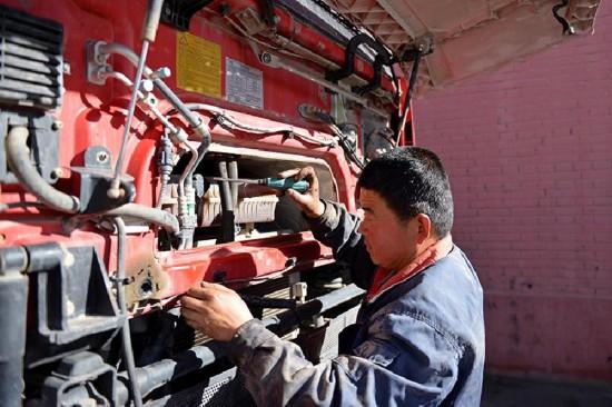 (川藏青藏公路60年)(8)梦想,延伸在青藏公路上