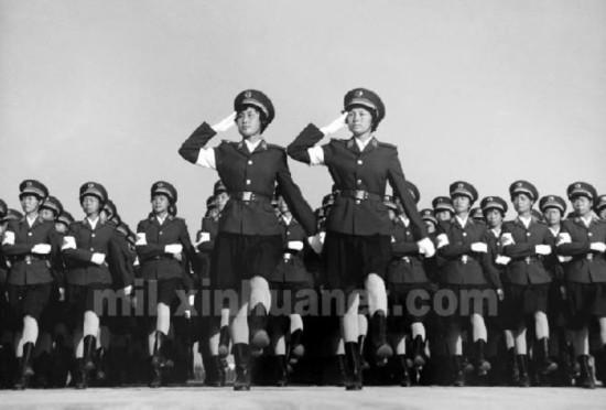 图说1984年三军大阅兵经典场面 令人赞叹