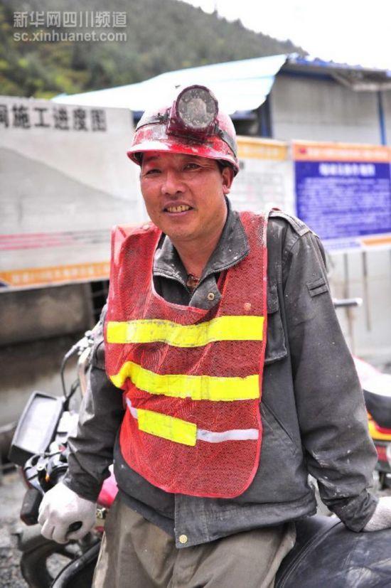 (川藏青藏公路60年)(2)服务于川藏线上的可爱脸庞