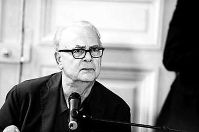 """莫迪亚诺向媒体""""求放过"""" 要将诺奖献给瑞典外孙"""