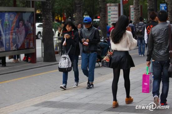 视频蛋糕:西安组图降温街头羽绒服与高清齐飞情趣教程丝袜v视频大风图片