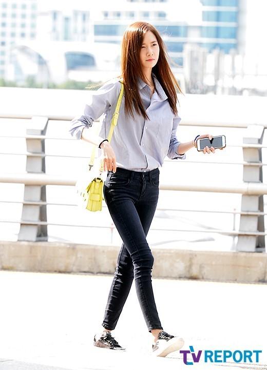 黑色紧身裤秋季首选 看少女时代T ara怎么搭配