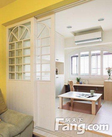 原标题:30平米小户型美式简约风格装修 温馨明亮黄色墙面
