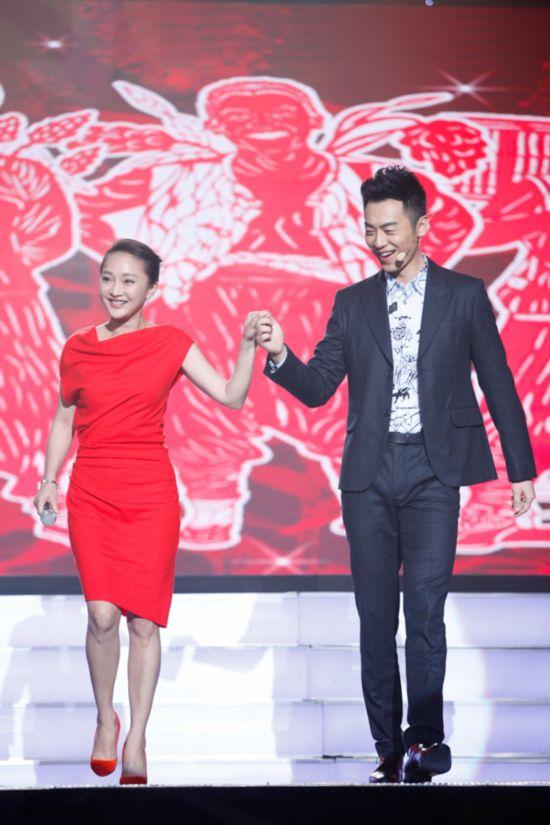 《红高粱》山东卫视首映 周迅忆激情戏受伤内